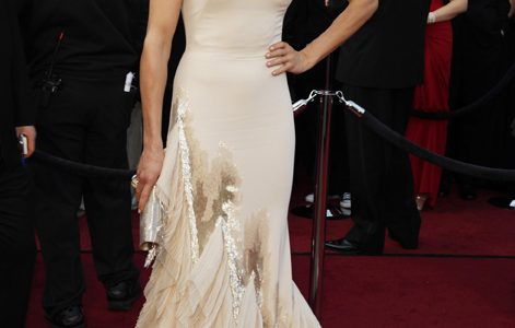 Cameron Diaz arrives at the 84th Annual Academy Awards show at the Hollywood and Highland Center in Los Angeles, California, on Sunday, February 26, 2012.