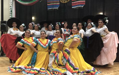 Choreography in Noche Folkorica highlights different Mexican traditions