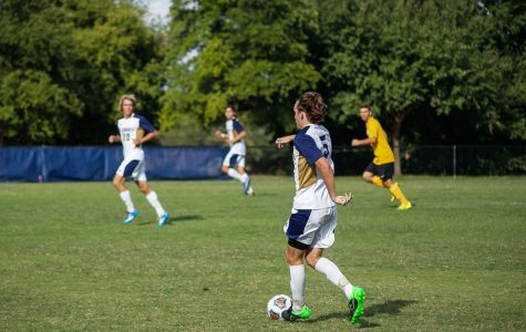 Men's soccer undefeated, nationally ranked No. 3