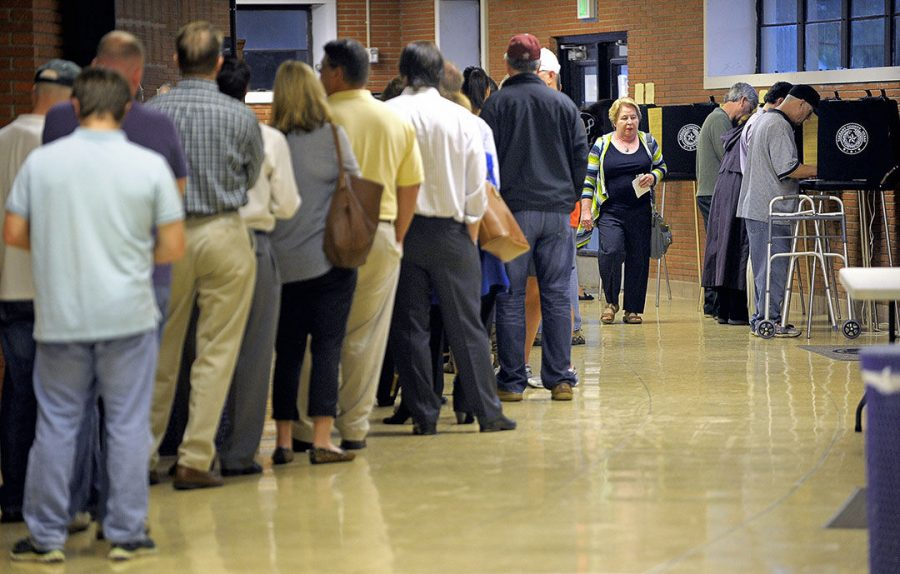 Voters+line+up+at+the+polling+site+at+Paschal+High+School+in+Fort+Worth%2C+Texas%2C+on+Tuesday%2C+Nov.+4%2C+2014.%C2%A0