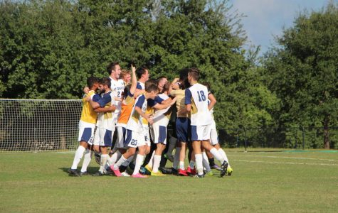 Cue 'Sweet Caroline': Men's soccer advance to Sweet 16
