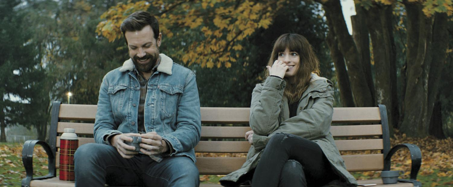 Anna Hathaway battles giant robots and 'nice guys' in 'Colossal'