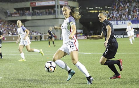 Despite US men's soccer woes, women look to defend title