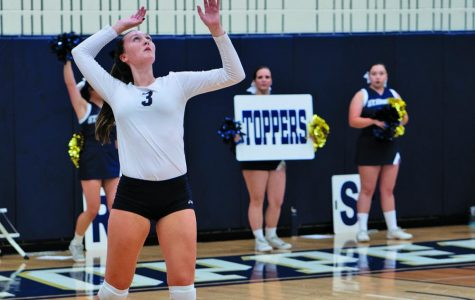 2 SEU volleyball players receive conference honors; start season with winning record