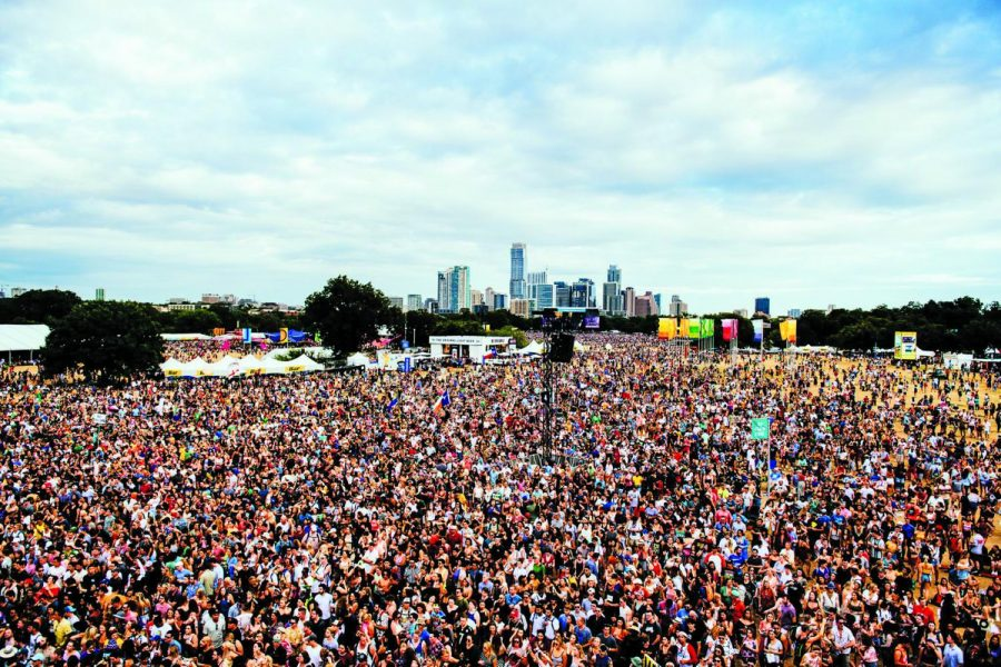 ACL+Festival+draws+a+crowd+of+approximately+450%2C000+people+every+year