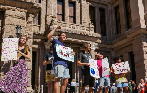 Students rally at capitol in solidarity with environmental lawsuit