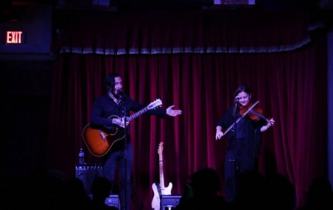 Noah Gundersen puts on intimate, acoustic performance for Austin fans