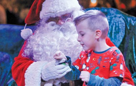 Faceoff: Santa Claus provides sense of joy, magic for children