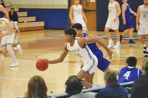Freshman guard sets up for season