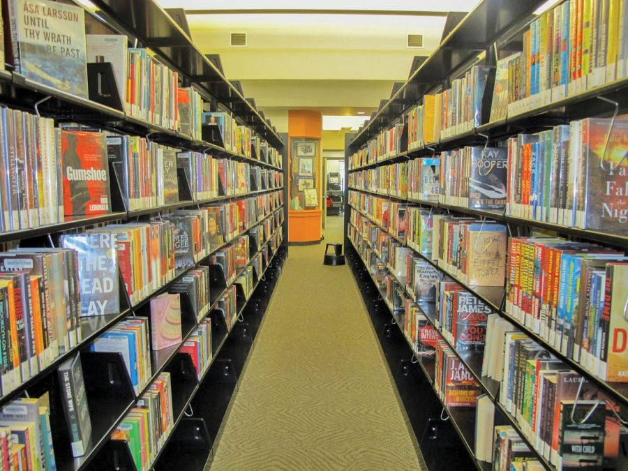 New-adult+fiction+is+a+developing+genre+of+fiction+with+protagonists+in+the+18%E2%80%9330+age+bracket.