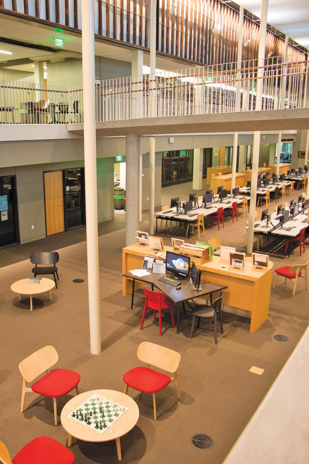 Many students enjoy spending time in the library. However, many believe that a 24 hour library would make them more productive.