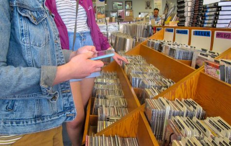 Vinyl collectors flock to Austin record stores to celebrate annual tradition