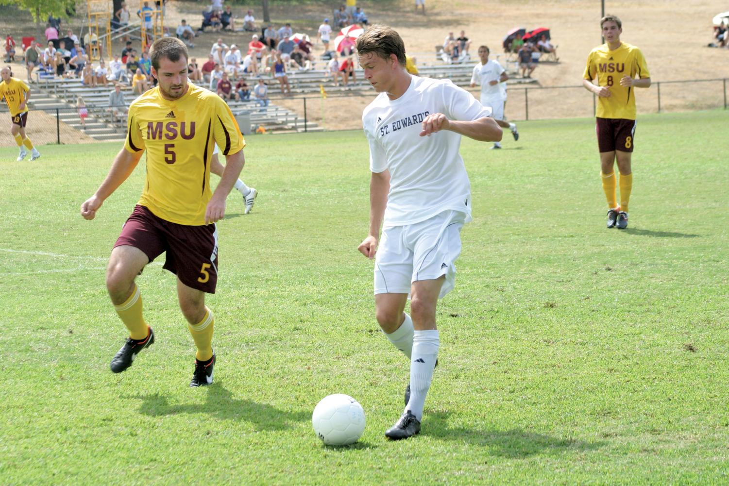Andrew Fox was a member of the 2011-14 St. Edward's men's soccer team and has recently signed to the El Paso Locomotive.