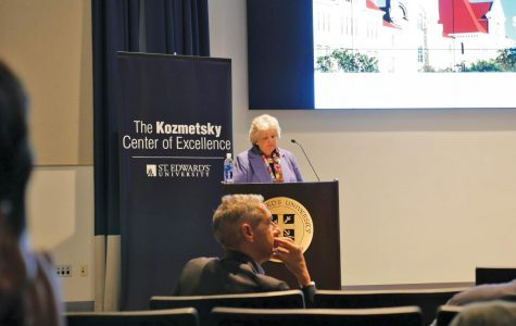 The Kozmetsky Center regularly facilitates discussion between students, faculty, and experts through their events.