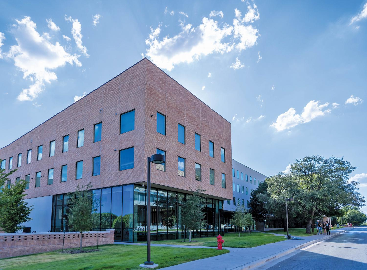 The Pavilions was closed for a year before re-opening for the Fall 2019 semester. Students living in the new apartments are satisfied with their rooms so far.