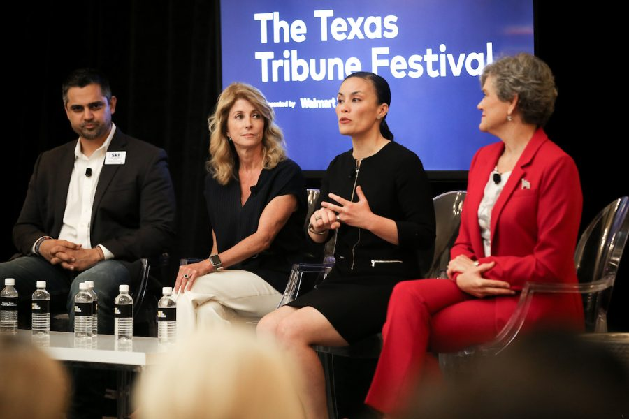 Abby+Livingston+moderates+the+%E2%80%9CDemocratic+Do-Over%E2%80%9D+panel+with+guests+Wendy+Davis%2C+Sri+Kulkarni%2C+Kim+Olson%2C+Gina+Ortiz+Jones+at+The+Texas+Tribune+Festival+on+Sept.+27%2C+2019.