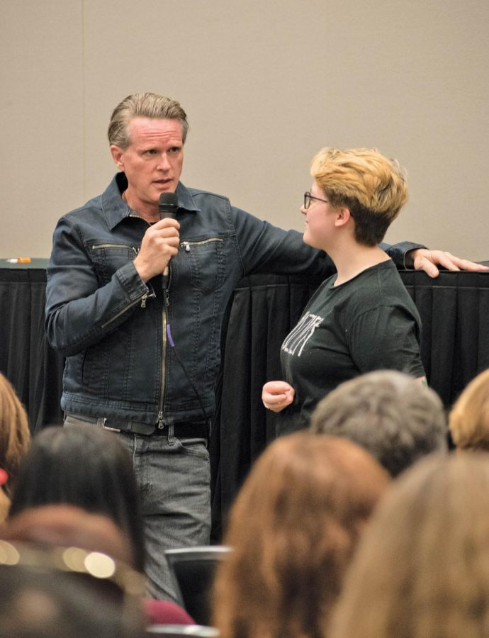 Cary Elwes address fan with question at Wizard World Comic Con
