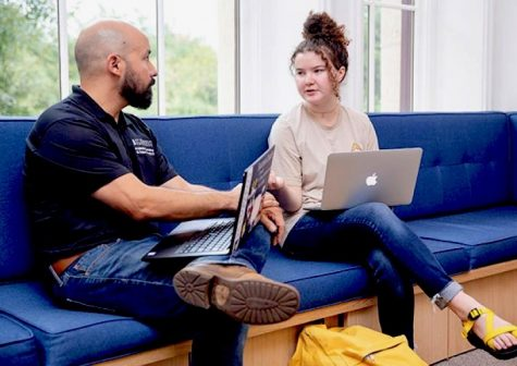 St. Edward's University offers a major and minor in social work through the School of Behavioral and Social Science. The school prepares students to work with people from all walks of life.