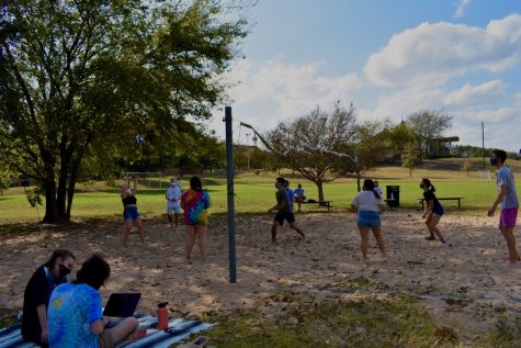 Hilltoppers enjoy a socially-distanced game of volleyball at the Emerge Retreat. Campus Ministry found a way to help retreaters enjoy activities, all while keeping COVID-19 regulations in mind.