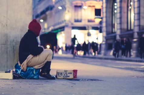 How to safely support those experiencing homelessness this holiday season