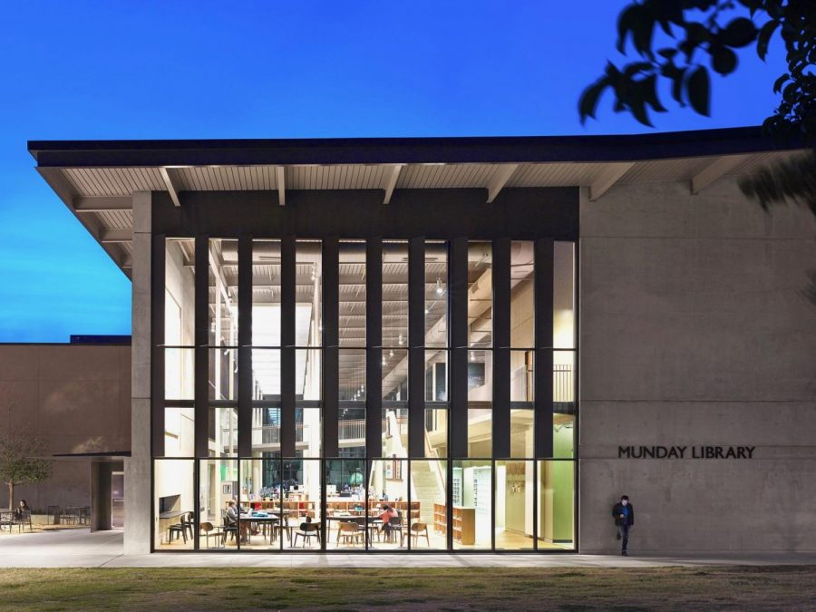 The+Munday+Library+was+once+a+building+buzzing+with+students.+These+days%2C+the+library+is+usually+found+unoccupied+due+to+the+health+regulations%2C+however%2C+most+resources+are+available+online.+
