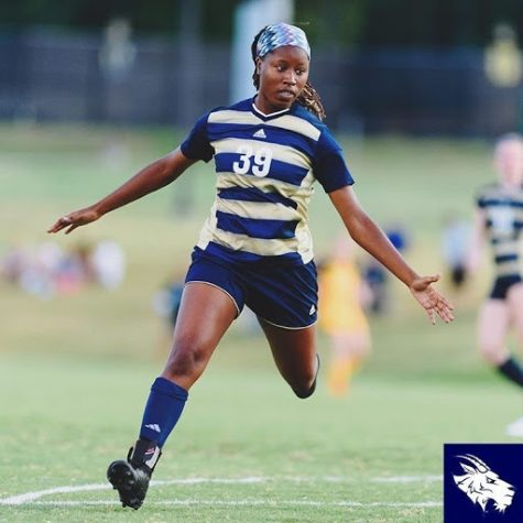Aririguzo sprints to make a defensive action during her junior season. Now a senior, the defender hopes to be an infuential figure for her younger team mates in her final year on the Hilltop.