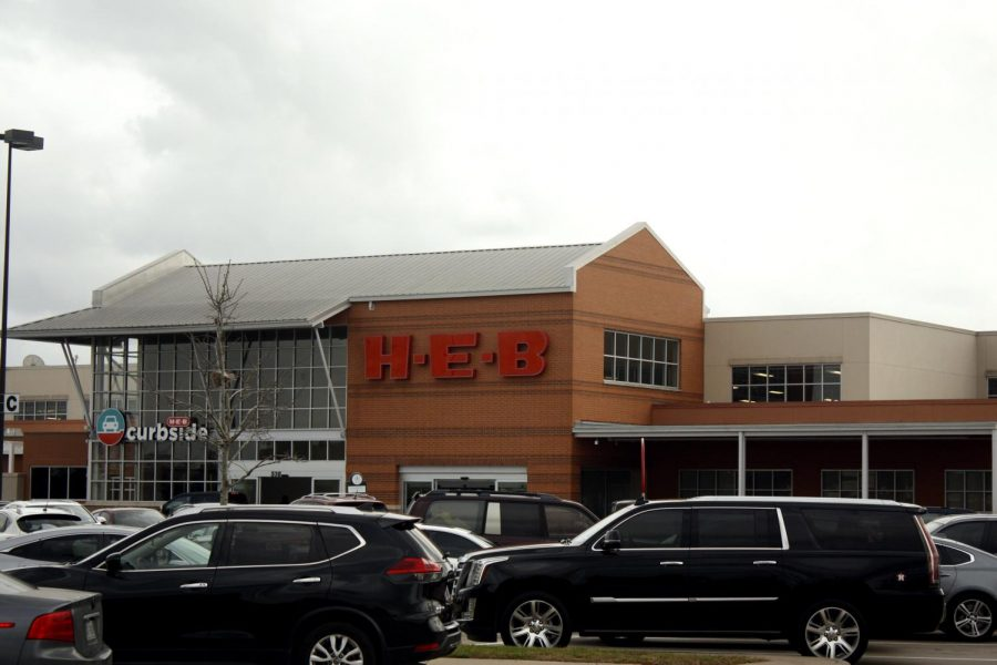 H-E-B, a Texas grocery chain, continues to require shoppers to wear masks. Many other businesses in Texas kept mask requirements despite Gov. Abbott's new order.