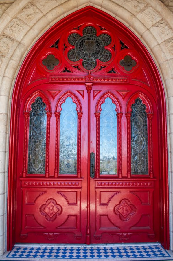 SEU 2021 graduates will have the option to participate in a socially-distanced, in-person graduation ceremony. Students will get to complete the Legacy Walk, leaving through the iconic Red Doors they began school in.