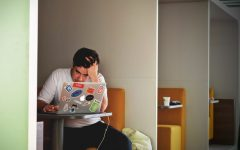 Mental health worsens during COVID-19 due to increased screen time, social isolation for college students, young adults