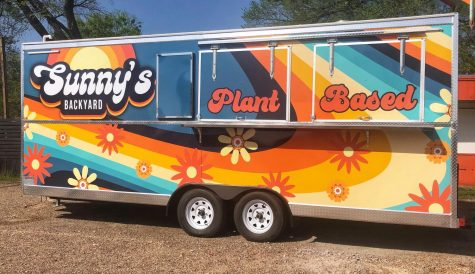 Sunny's Backyard offers free beer, vegan-friendly pub food